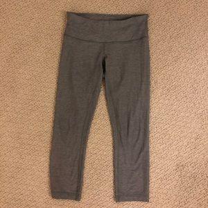 LULULEMON cropped grey leggings